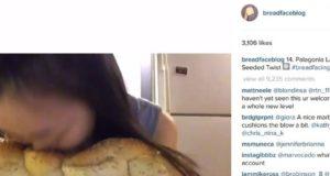 Blogger Ini Populer Karena Benamkan Wajah ke Roti