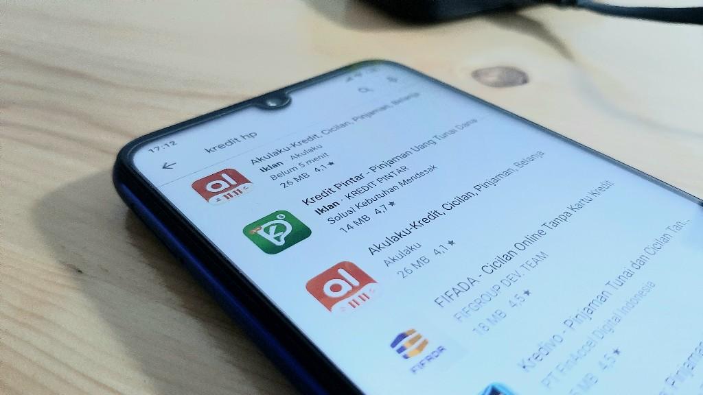 Kredit HP Online Tanpa Kartu Kredit Melalui Aplikasi